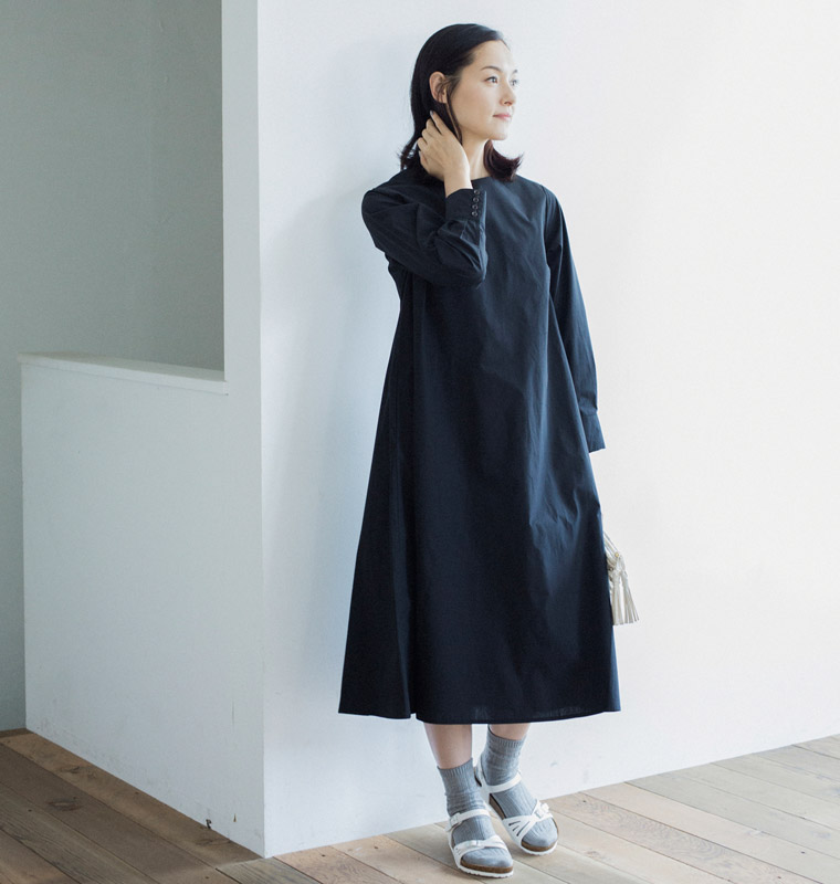 a81d83fb3bd0f 夏こそ、ワンピースは「黒」が気分です!| ナチュラル服や雑貨の ...