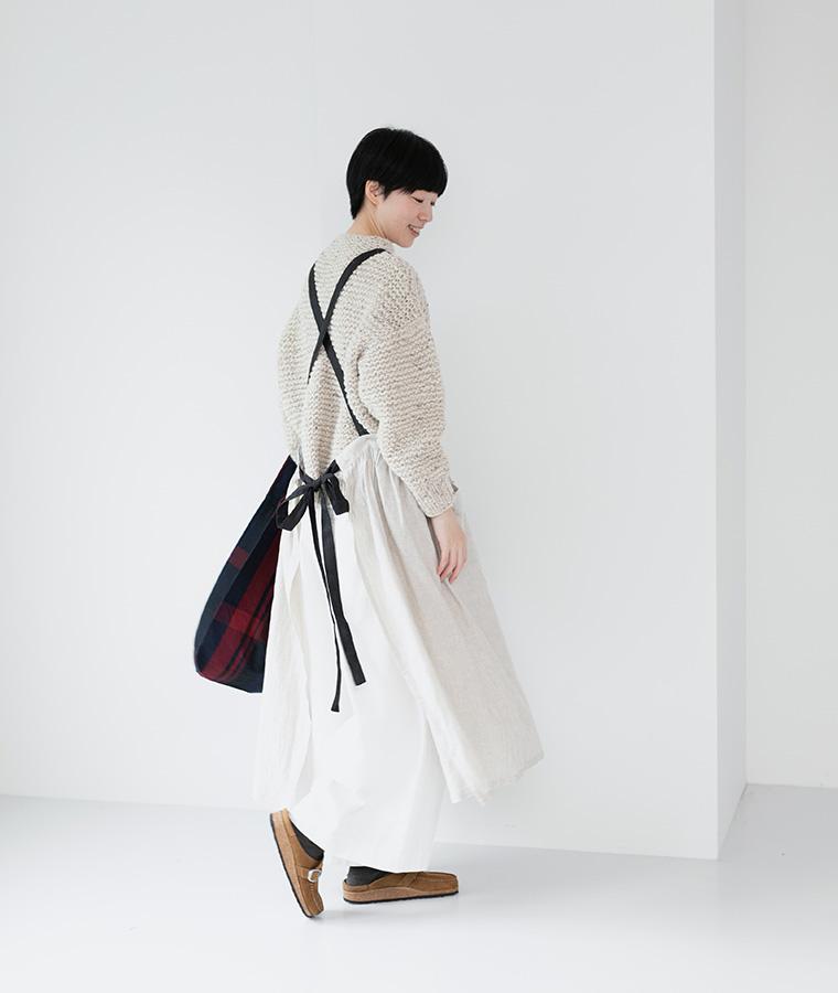 【Lintu Laulu 】リネン配色ギャザーエプロンワンピース(ナチュラル)