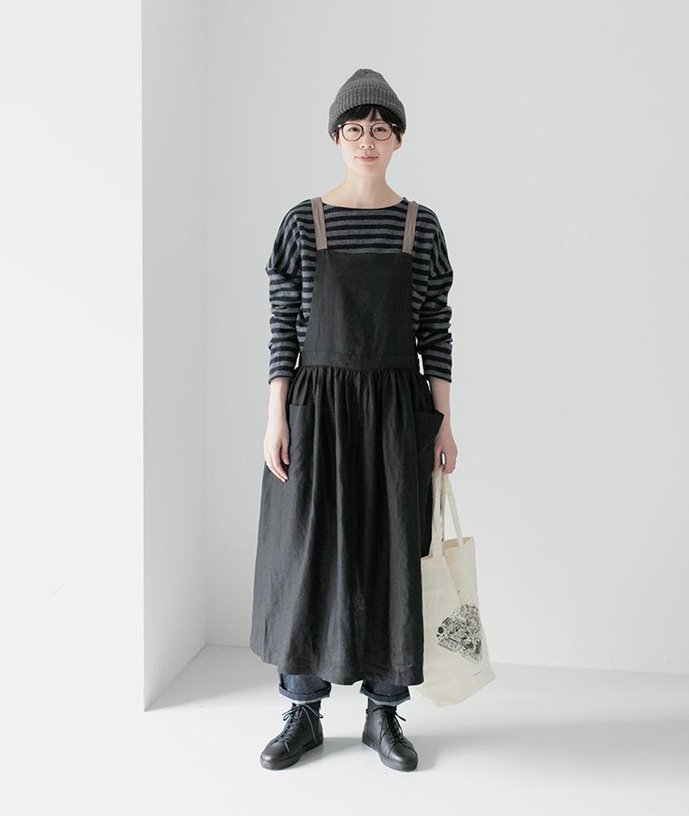 【Lintu Laulu 】リネン配色ギャザーエプロンワンピース(ブラック)