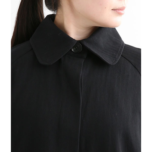 ラグランステンカラーコートの襟元拡大画像