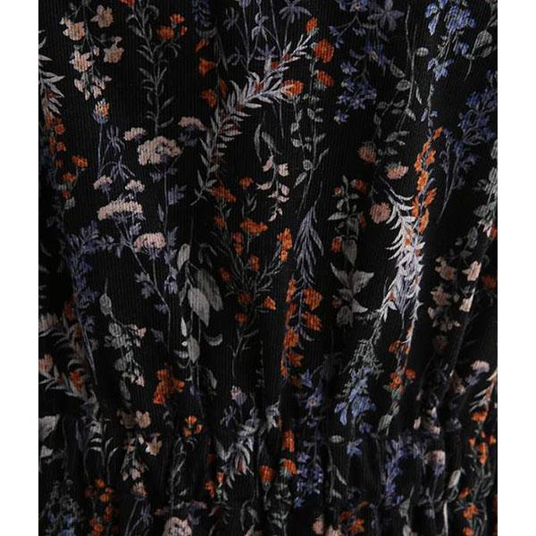 花柄フレアワンピースの模様拡大画像