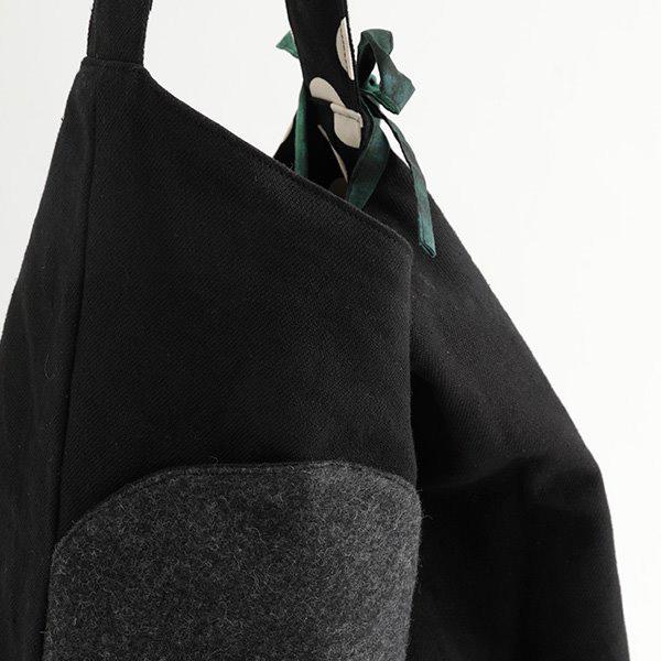 TOMOO(トモオ)/シャボン玉をイメージして作られたバッグ 黒 紐のアップ
